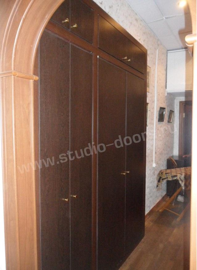 Антресоли, дверцы для антресолей, двери в кладовую.
